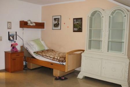 Blick in ein Bewohnerzimmer im Betreuungszentrum Wasserburg